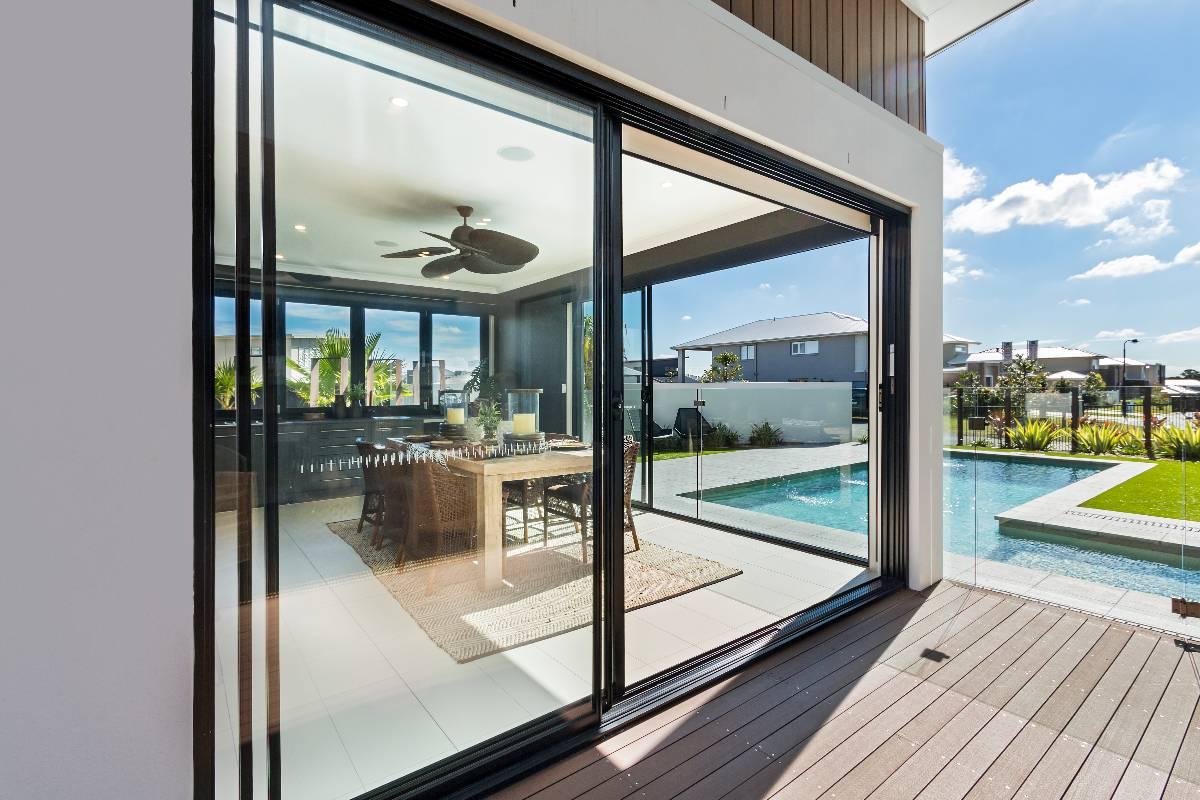 View Photo: Aluminium sliding door