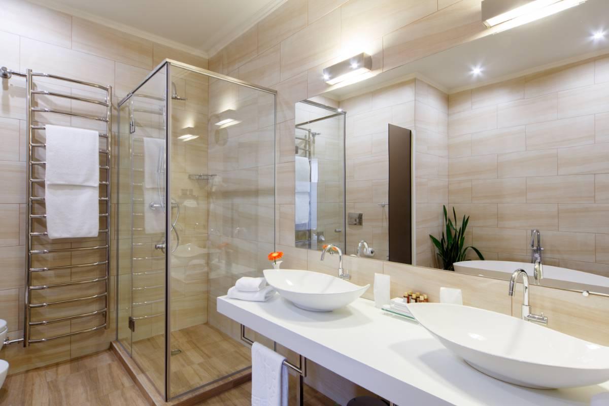 View Photo: Semi Frameless shower screen