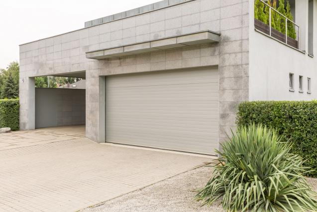 3 Ways To Get Your Garage Doors Ready For The Summer