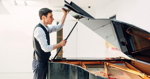 Read Article: Piano movers cost & DIY tips to move it safely.