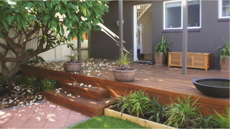Australian outdoor living deck design installation for Australian hardwood decking