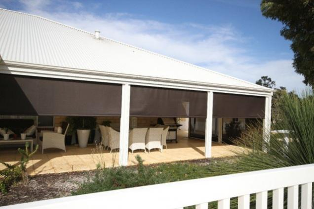 Create a Luxurious Loggia With Outdoor Blinds