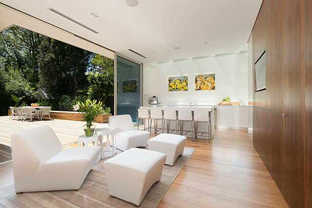 View Photo: Indoor/outdoor - Wahroonga House