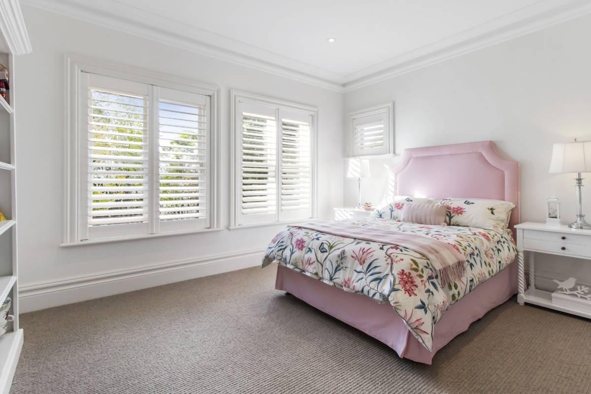View Photo: Pymble House - Spacious Bedroom