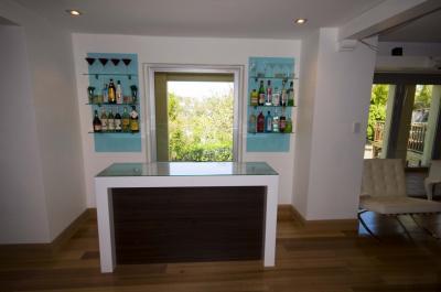 View Photo: Bar Unit