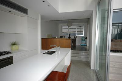 View Photo: Plain Kitchen