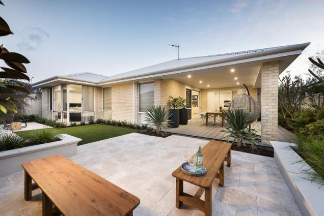View Photo: Leighton I - Display Home - Alfresco
