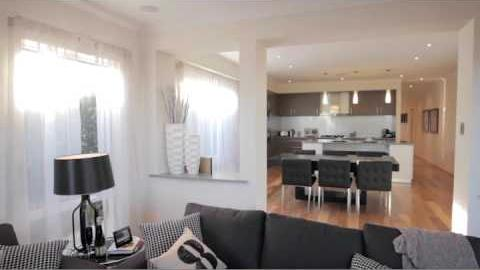 Watch Video : Elwood Display Home - Walk-Through