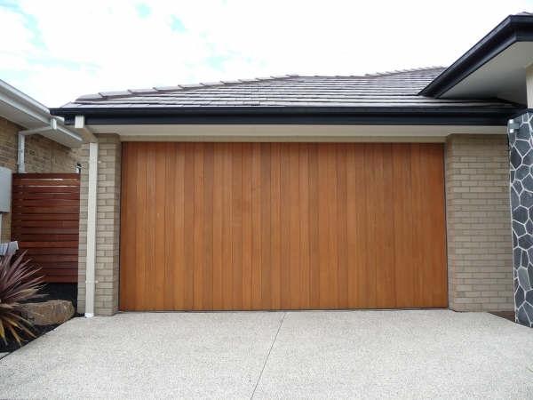 TILT PANEL LIFT GARAGE DOORS