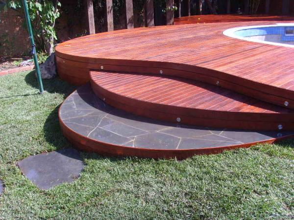 View Photo: Curved decking