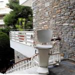 A Quick Guide To Choosing Your First Outdoor Stairlift