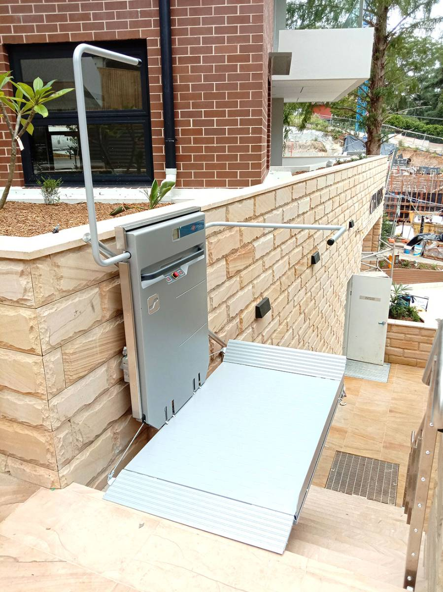 View Photo: Ascendor PLG7 Wheelchair Lift