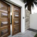 View Photo: A hinged entry door to make a statement