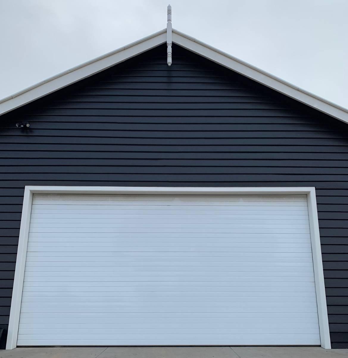 View Photo: Premium Sectional Doors