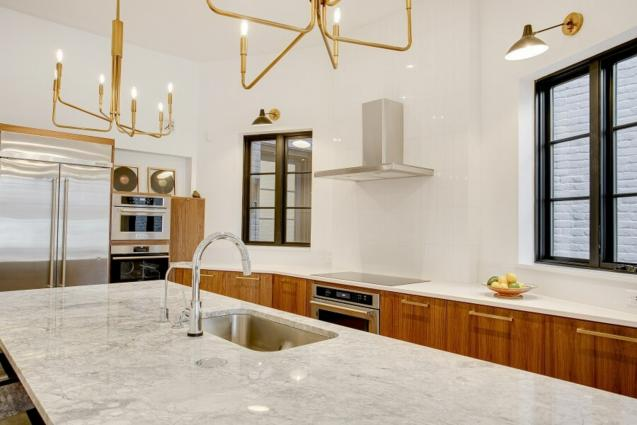 Read Article: How To Choose The Right Kitchen Countertop Material