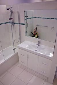 Display Bathroom #4