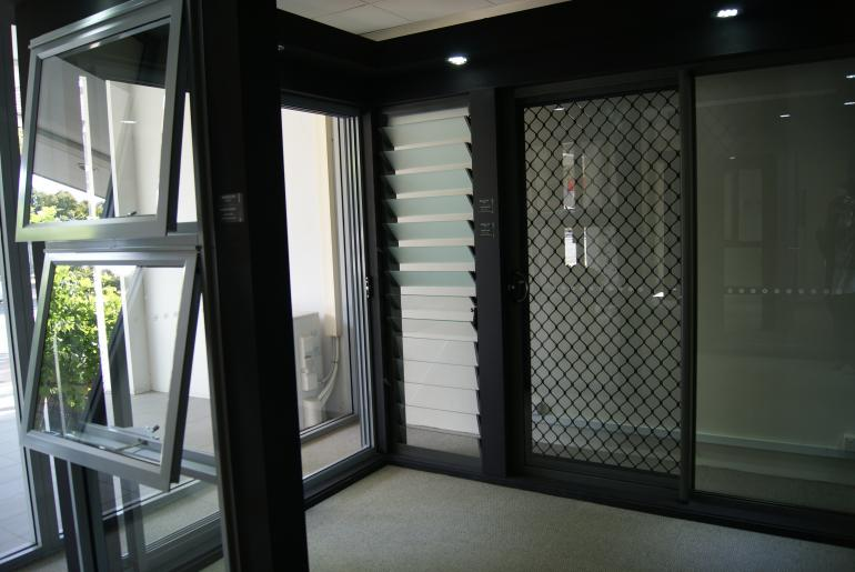 View Photo: Aluminium Residential S100 Section - Alexandria Showroom