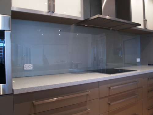 Read Article: Choosing the glass type for your coloured glass splashback (Part 1)
