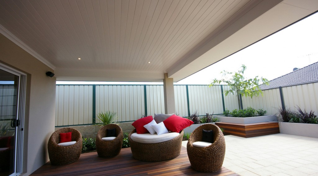 View Photo: Alfresco space with white gloss ceiling