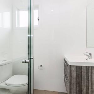 View Photo: Bathroom