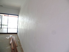 What is Happening to Our White Set Render Walls in New WA Homes?