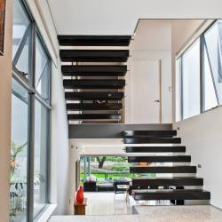 View Photo: Split Level Staircase