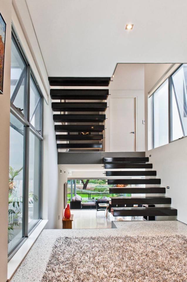 View Photo: Split Level Staircase