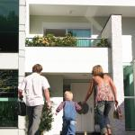 Steps to Buying First Home: How a Mortgage Broker Helps