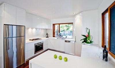 contemporary 2-pac kitchen design brisbane photo : interiors