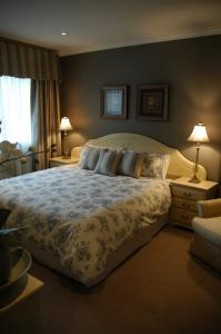 View Photo: Treetops Bed & Breakfast, Blackburn