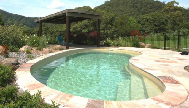 Leisure pools swimming pool construction brisbane qld for Pool builders yatala