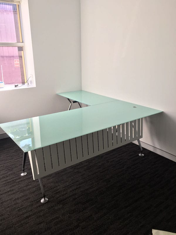 View Photo: 10mm Toughened White Back Painted Glass Top