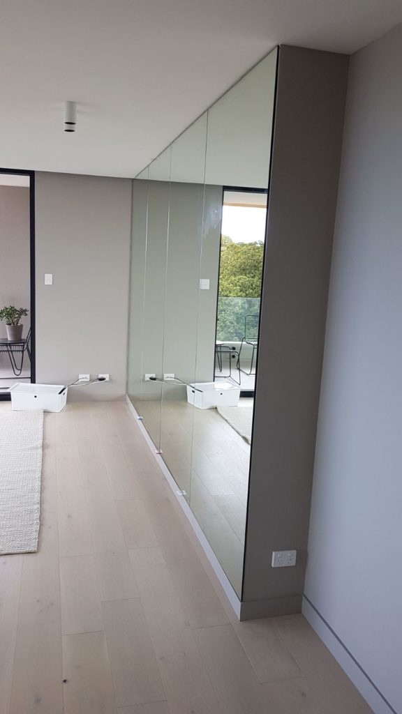 Floor to Ceiling Mirrored Wall 2400 x 4500