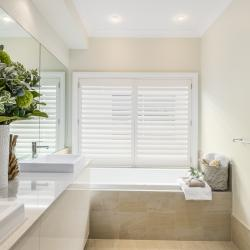View Photo: Bathroom | Seaside Retreat