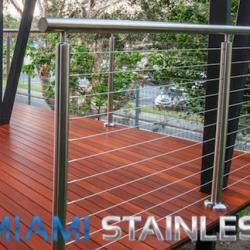 View Photo: Round stainless steel posts