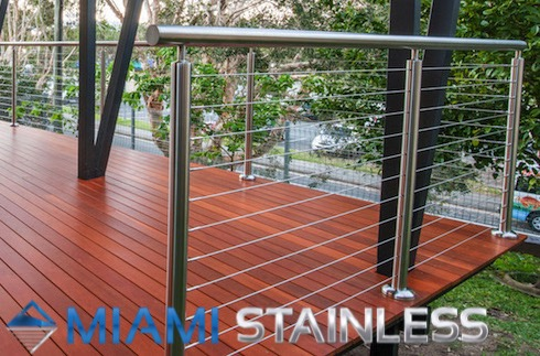 Round stainless steel posts