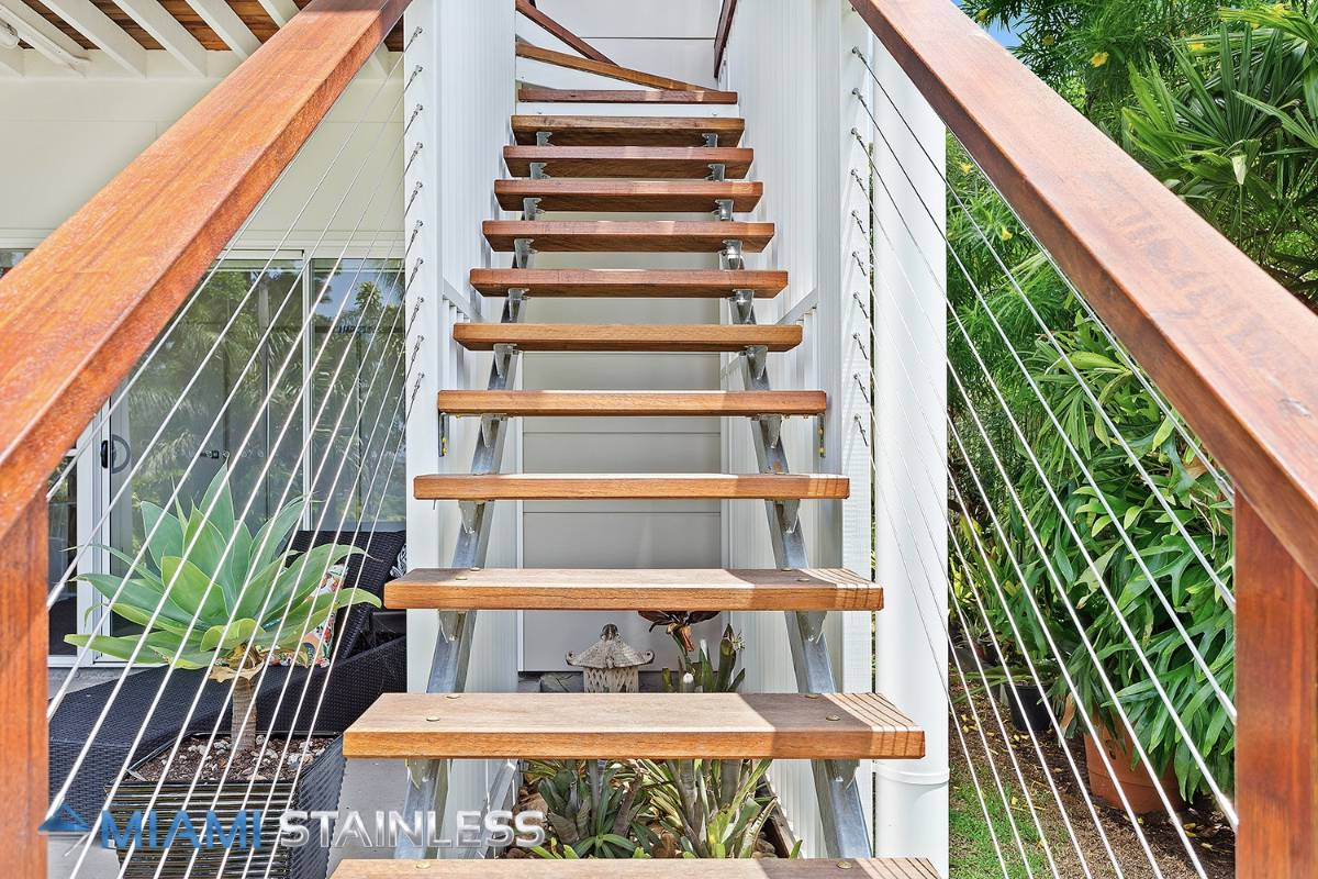Wire and timber handrails 2