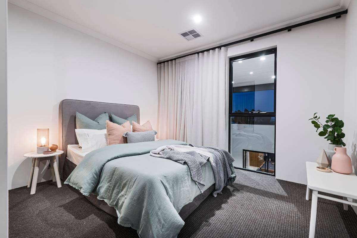 View Photo: Bedroom