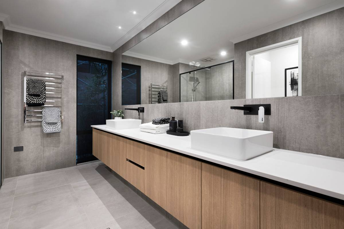 View Photo: Ensuite