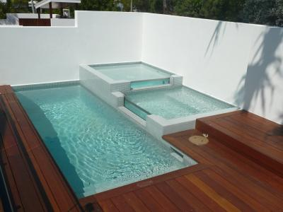 View Photo: Glass Plunge Pool