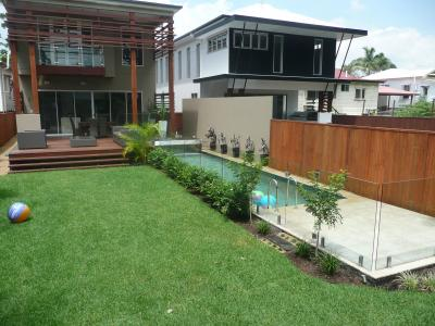 View Photo: Maximising Pool and Yard