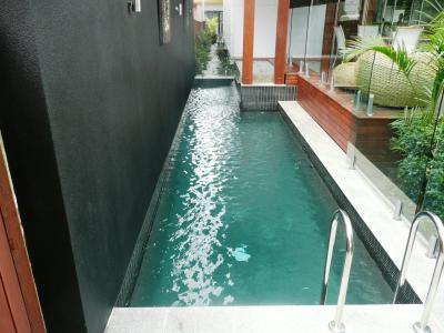 View Photo: Streamlined Pool design