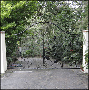 View Photo: Black Forrest Gate