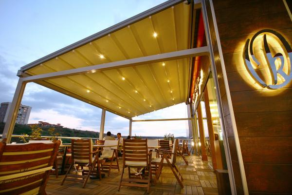 View Photo: Sunlux Retractable Pergola Awning