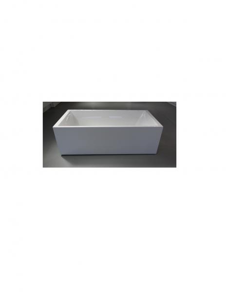 View Photo: Cubo 1800 Bath