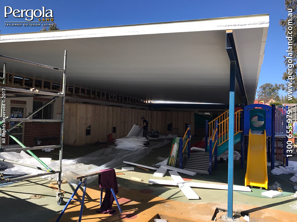 View Photo: Insulated Roof Construction Phase