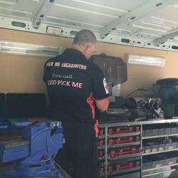 View Photo: Pick Me Mobile Locksmith Service