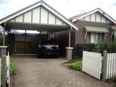 Ryde garage conversion to a retreat photo robert collins for Brick carport