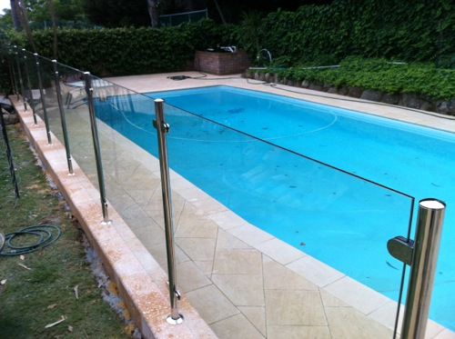 View Photo: Semi-Frameless with Stainless Steel Posts