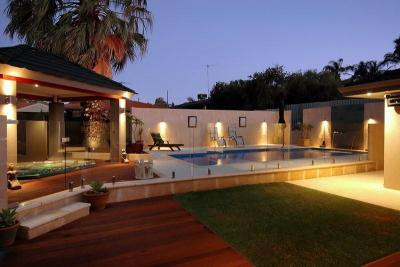 View Photo: Grandeur Compact Fibreglass Pool